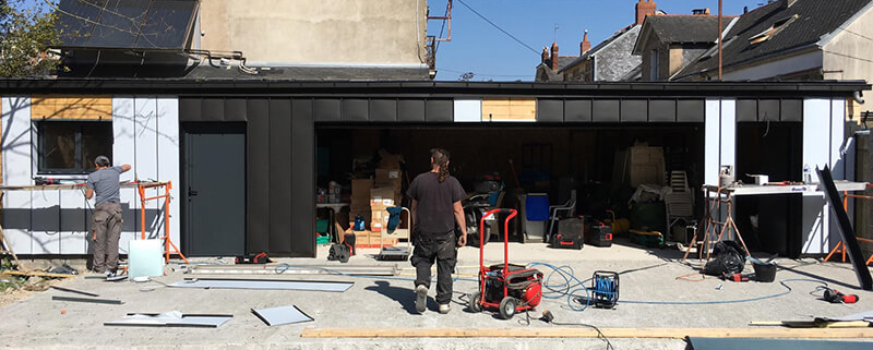 Installation Bardage Zinc - Pachet Couverture - Couvreur à Nantes (44)