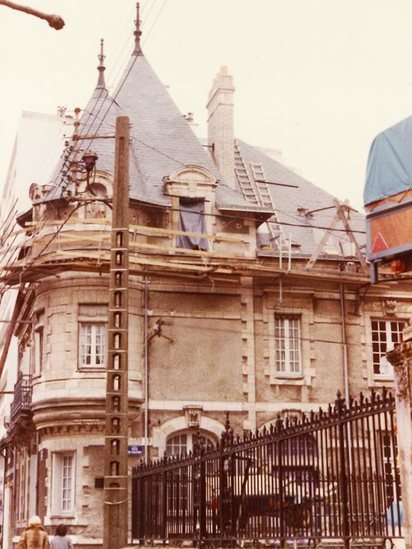 Eric Pachet 1987 Rue des Chalâtres - Pachet Couverture - Couvreur à Nantes (44)